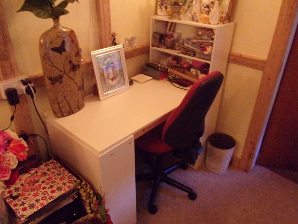 Brons desk_002.JPG