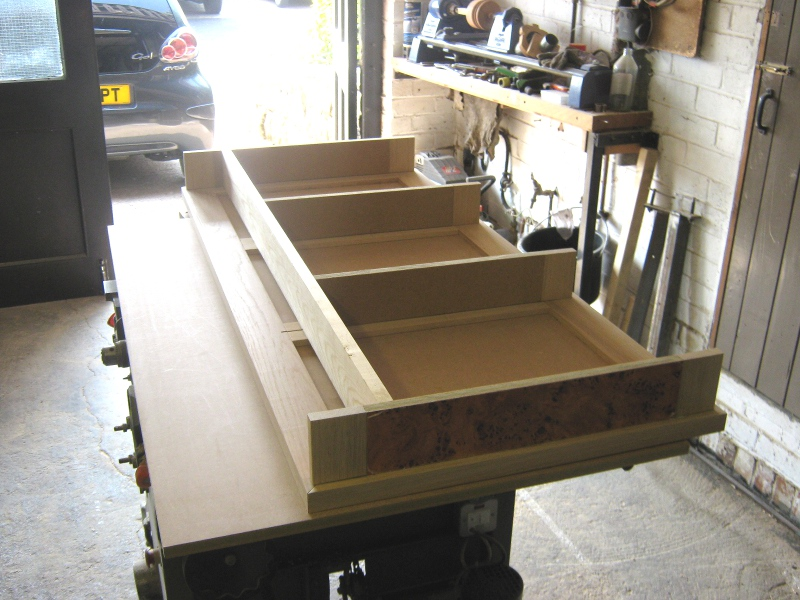 Drawer section under top..jpg
