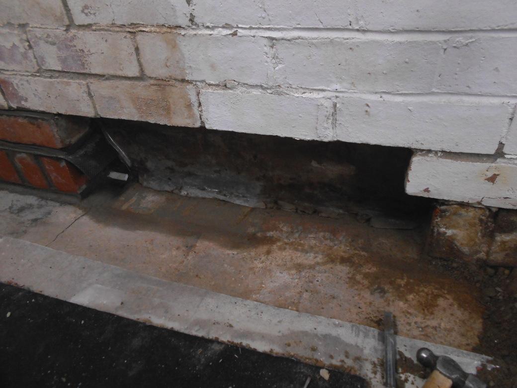 Garage water ingress (4).JPG