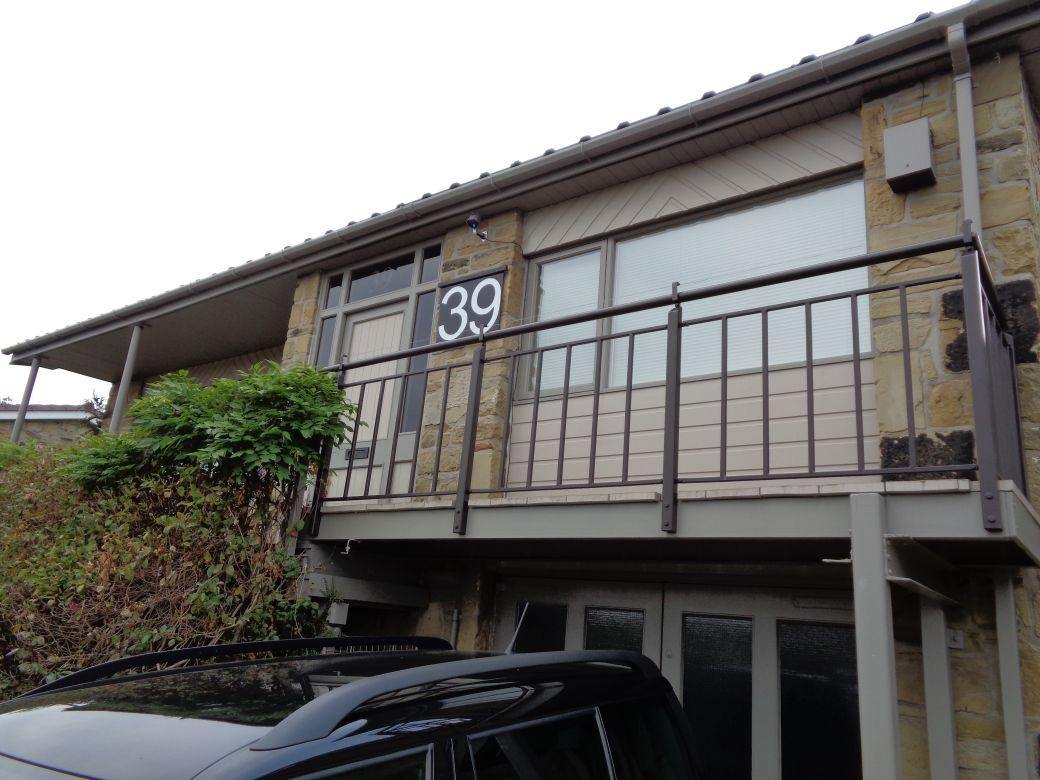 Porch_003.JPG