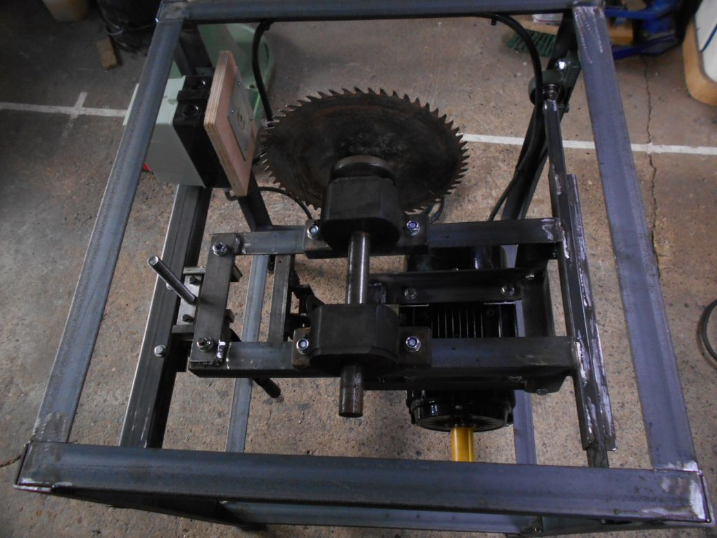 Sawbench motor..JPG