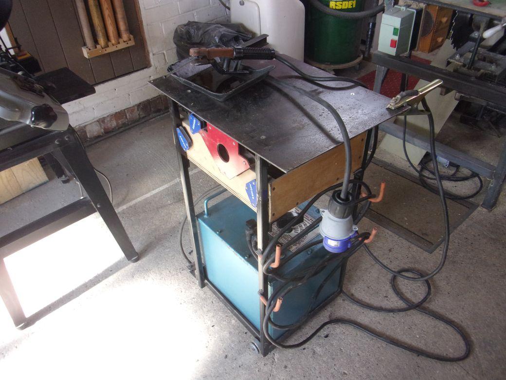 Welding trolley_003_01.JPG